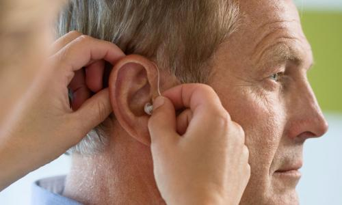 5 loại thực phẩm ngăn ngừa mất thính lực