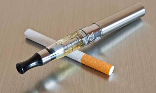 Hút thuốc có thể gây thoái hóa xương khi còn trẻ