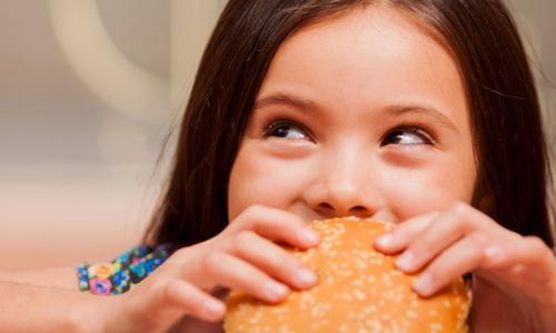 Ăn nhanh làm tăng nguy cơ béo phì