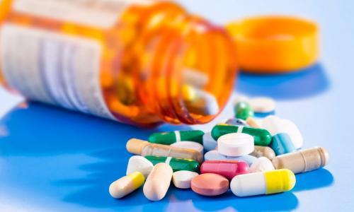 Sử dụng thuốc cho người tăng nhãn áp