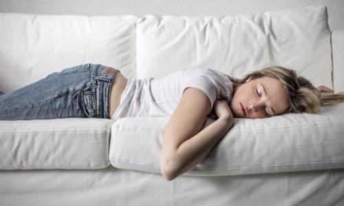 Ngủ ngày - Dấu hiệu cảnh báo sớm bệnh Alzheimer