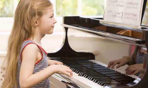 Học nhạc có thể cải thiện trí nhớ, thành tích học tập của trẻ