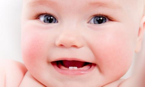 Trẻ mọc răng nên ăn gì?