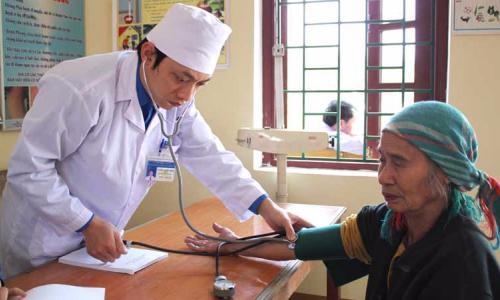 Nhiều ca bệnh được cứu nhờ máu của thầy thuốc
