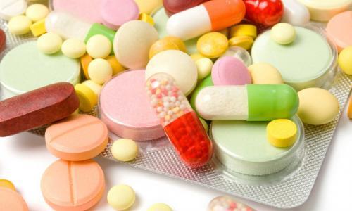 6 loại thuốc có thể gây mụn trứng cá