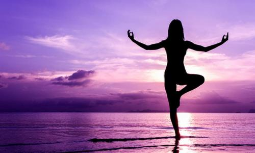 Các lớp học yoga trong trường học có thể giúp trẻ chống lại stress, lo lắng