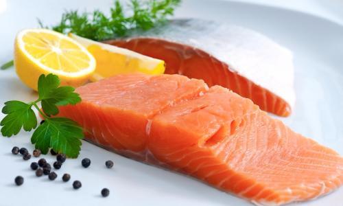 Ăn cá béo để giảm nguy cơ bệnh tim