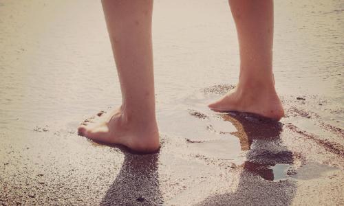 Chạy chân trần giúp cải thiện trí nhớ