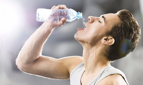 Cơ thể thừa protein, những dấu hiệu xấu