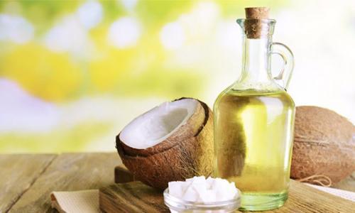 3 cách dưỡng tóc qua đêm với dầu dừa