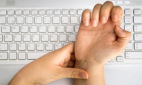 Đừng coi thường hội chứng ống cổ tay