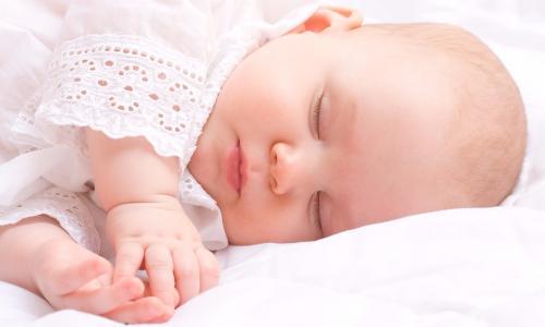 Trẻ ngủ nghiến răng có nguy hiểm?