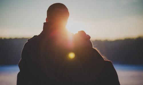 """Vì sao nên """"yêu"""" thường xuyên?"""