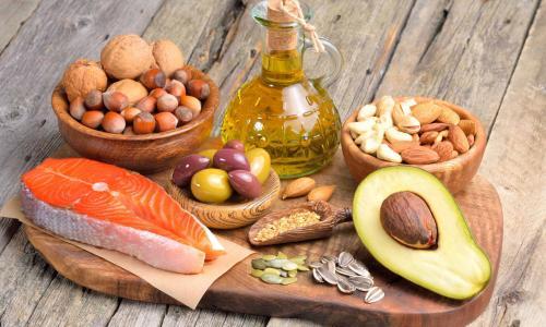 Thiếu hụt chất béo trong bữa ăn hàng ngày sẽ ảnh hưởng đến não trẻ