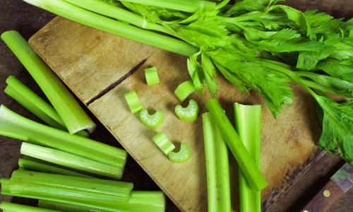 Trị cao huyết áp bằng vị thuốc từ cần tây