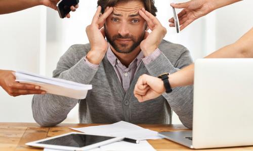 Stress gây đau đầu thường xuyên