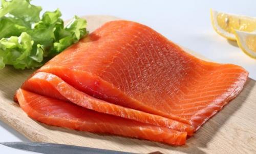10 thực phẩm tốt nhất và tồi tệ nhất cho mụn trứng cá