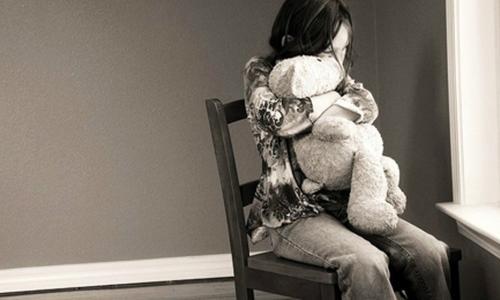 Mẹ trầm cảm trước hoặc sau sinh ảnh hưởng thế nào tới con?