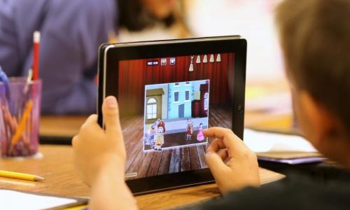 Cách dùng Ipad, Iphone, TV không hại mắt