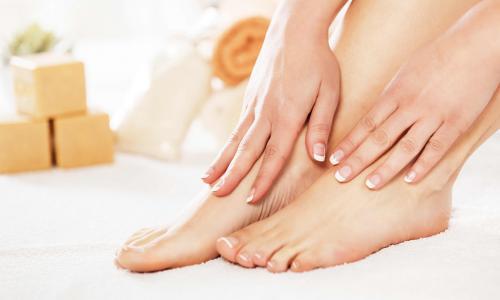 Chăm sóc đôi bàn chân mềm mại