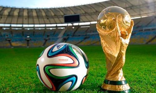 Chuyên gia bày cách bổ sung dinh dưỡng duy trì sức khỏe dù thức đêm xem World Cup