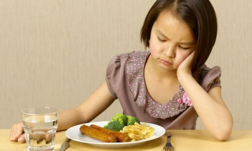 Trẻ ăn thiếu dầu mỡ: Thiếu vitamin, suy dinh dưỡng