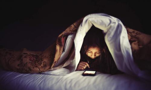 Thức đêm và ngủ ngày tác động xấu đến sức khỏe