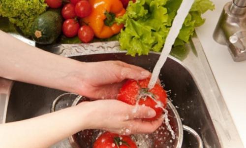 Mùa hè, dễ ngộ độc thực phẩm
