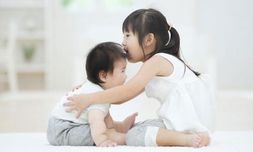 Nắng nóng: Coi chừng bệnh cảm lạnh ở trẻ