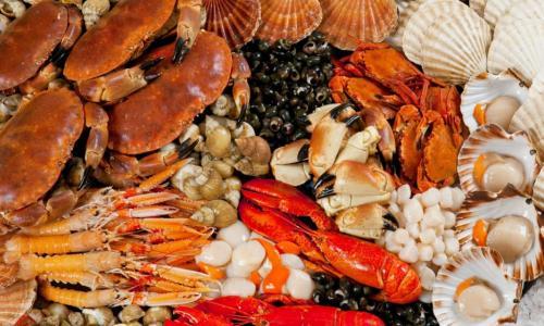 Nên ăn nhiều hay ít sản phẩm giàu iốt khi bị bệnh tuyến giáp?