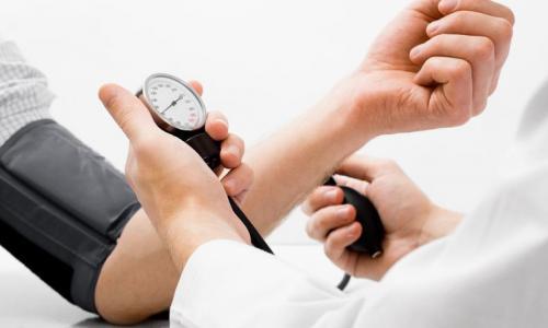 """Những """"kẻ"""" tiếp tay cho tăng huyết áp"""