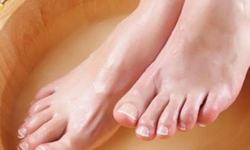 Trị nước ăn chân, dùng thuốc gì?