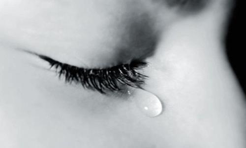 Nước mắt hồng có nguy hiểm?