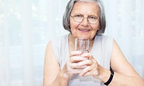 Cảm giác ăn không ngon ở người cao tuổi