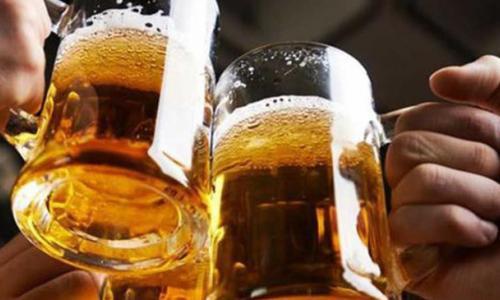 Nguy hiểm khi dùng thuốc lại uống rượu bia