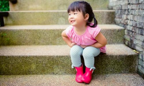 Cần làm gì khi trẻ đái dầm?