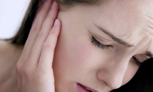 """Có thể chữa khỏi chứng """"ve kêu"""" trong tai?"""