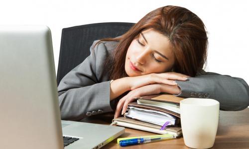 Vì sao nên ngủ trưa?