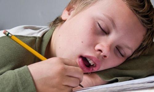 Khắc phục chứng tiết nước bọt nhiều khi ngủ