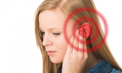 Ù tai do xì mũi không đúng cách