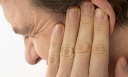 Vì sao bị viêm ống tai ngoài?
