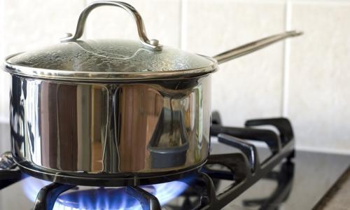 Đun nóng thức ăn nhiều lần không tốt
