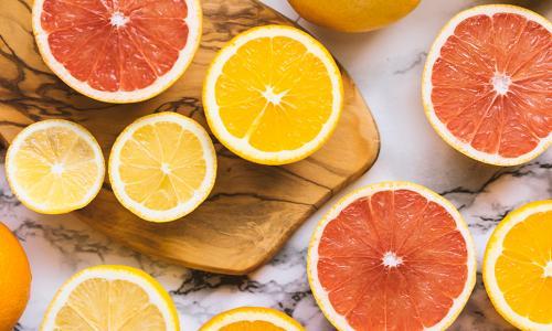 Bị lang ben không được dùng vitamin C, vì sao?