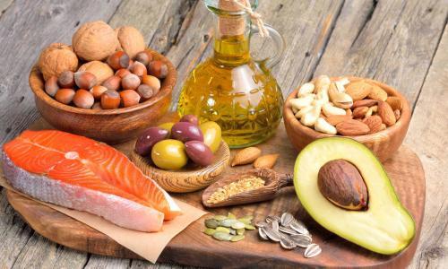 Bị thừa cân có cần bổ sung chất béo vào khẩu phần?
