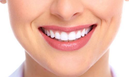 8 mẹo bảo vệ răng miệng chỉ tốn của bạn 1 phút