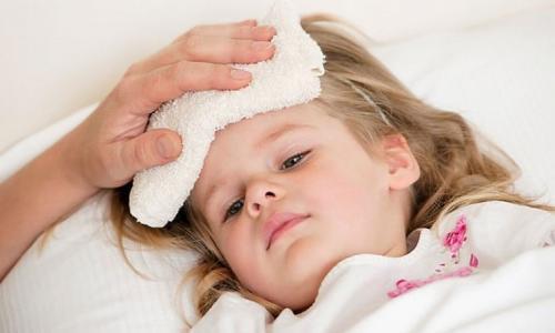 Khi nào mới dùng thuốc hạ sốt cho trẻ?