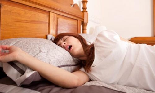 Phụ nữ ngáy to, có cần đi khám?