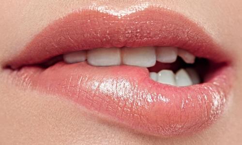 4 bài thuốc tuyệt hay chữa lở miệng do nhiệt