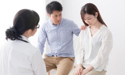 Thụ tinh nhân tạo và thụ tinh ống nghiệm: Giải pháp ưu việt cho người hiếm muộn