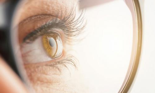Uống thuốc bổ mắt có chữa khỏi cận thị?